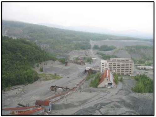 The inactive asbestos mine at Belvidere Mountain in Eden and Lowell includes a network of buildings and structures. Photo courtesy Agency of Natural Resources.