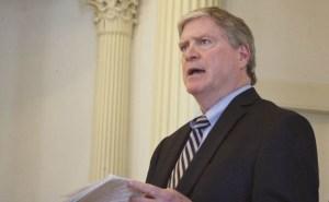 Senate President Pro Tempore John Campbell speaks on the Senate floor. Photo by John Herrick/VTDigger