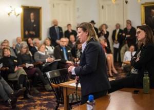 Rep. Heidi Scheuermann explains her proposal.