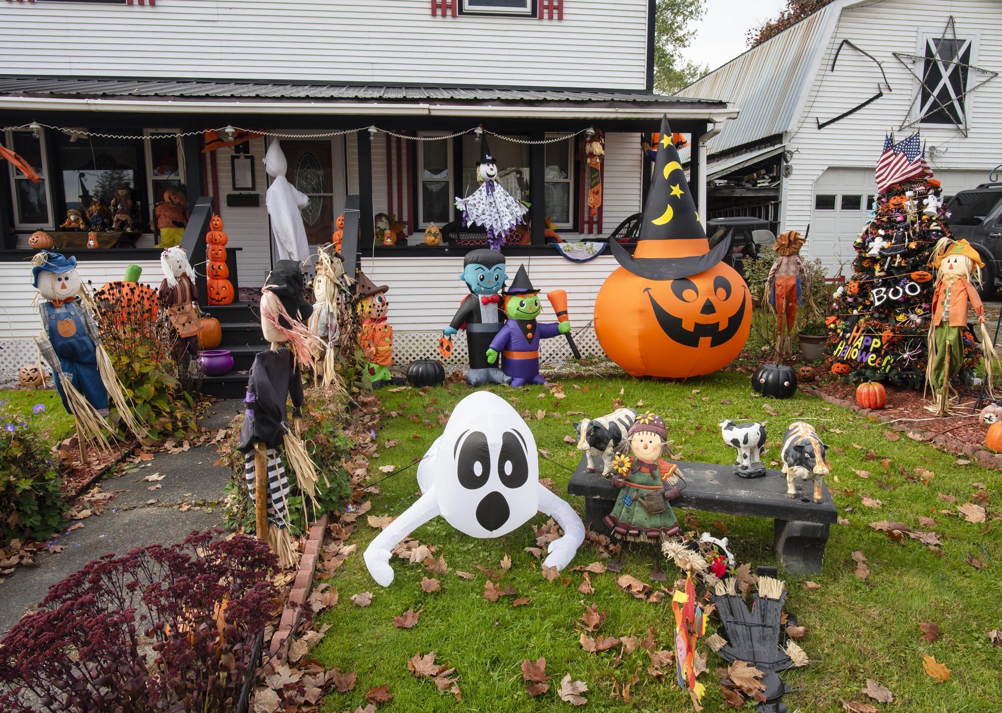 Halloween Burlington Vt 2020 Burlington schools cancel Halloween parade – and join culture war